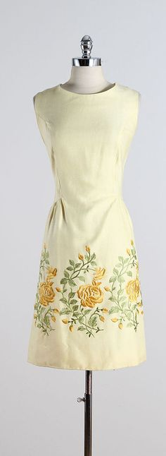 Willow Rose ➳ vintage 1960s dress  * pastel yellow linen * yellow rose embroidery * cotton lining * back zipper  condition | excellent  fits like xl