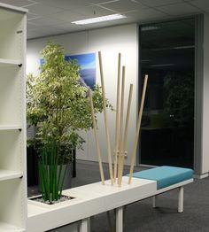 Sitzbank, Regal und Raumteiler in einem! Individuell kombinierbar by kühnle'waiko #office #furniture #workspace #interior #design #acoustic