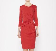 Vestido rojo con detalle en la cintura ;)