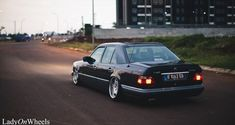 Some photos of Stanced Medcedes-Benz E-serie W124. W124 is the Mercedes-Benz internal chassis-des...