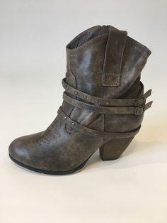 Shoe Boots, Shoes, Biker, Footwear, Fashion, Moda, Zapatos, Shoes Outlet, Shoe