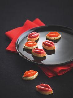 """8 bisous apéritifs #Picard (réf : 83663). Participez à notre Grand Jeu Saint-Valentin en ré-épinglant ce visuel, celui de la """"Fondue au chocolat"""" et celui des """"Règles du Jeu"""" ! 5 bons d'achat Picard de 150€ à gagner ! Plus d'infos sur http://www.picard.fr/EntreNous/ViePratique/reglement_jeu_ma_saint_valentin_avec_picard_sur_pinterest3006.html?Retour=1"""