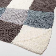 Manta Acril Crochet Cuadros Grace - Decoración - Nordic Collection | Zara Home España