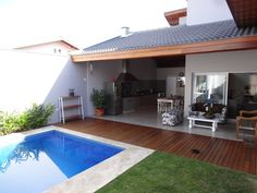 Casa SVJ: Terraços por canatelli arquitetura e design Small Backyard Pools, Backyard Pool Designs, Small Pools, Small Backyards, Patio Bar, Pergola Patio, Pergola Kits, Pergola Ideas, Kleiner Pool Design