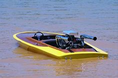 I love the way this flat bottom sits in the water. Fast Boats, Cool Boats, Speed Boats, Small Boats, Drag Boat Racing, Flat Bottom Boats, Ski Boats, Deck Boat, Vintage Boats