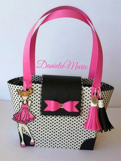 Party girl doll - By Daniela Alvarado. Paper purse with tassels. Prima Paper Dolls, Prima Doll Stamps, Paper Folding Crafts, 3d Paper Crafts, Paper Gift Bags, Paper Gifts, Diy Paper Purses, Petite Purses, Craft Bags
