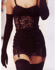 la femme dans l'art ( 90s Fashion, Runway Fashion, High Fashion, Fashion Show, Vintage Fashion, Fashion Outfits, Womens Fashion, Fashion Design, Haute Couture Style