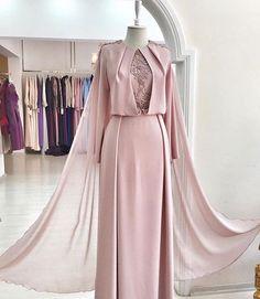 Super Kleidung 2018 Party 33 Ideen Source by The post Super Kleidung 2018 Party 33 Hijab Evening Dress, Hijab Dress Party, Hijab Style Dress, Dress Outfits, Evening Dresses, Arab Fashion, Islamic Fashion, Muslim Fashion, Modest Fashion