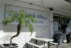 Diamond Head Market & Grill: Five minutes from Waikiki, you'll find one-stop shopping at Kelvin Ro's Diamond Head Market & Grill. It's a great place to pick up a picnic lunch. Choose among gourmet takeout, healthful plate lunches, deli foods or fresh-from-the-oven blueberry and cream-cheese scones ($2.40). Among the terrific sandwiches are grilled portabello ($5.25) and turkey with cranberry chutney ($6.50). 3158 Monsarrat Ave. , Honolulu, Hawaii 96815