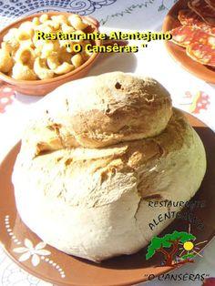 """""""O Cansêras"""" o Alentejo mais além...: Pão Alentejano Portuguese Desserts, Portuguese Recipes, Bread Dough Recipe, Spanish Food, Pickles, Mousse, Waffles, Bakery, Food And Drink"""