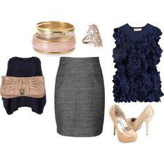 Falda gris con blusa azul