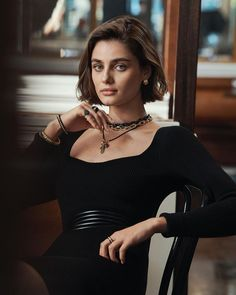 Taylor HillはInstagramを利用しています:「I'm so excited to be a part of @DavidYurman's new My New York campaign! David, Sybil and Evan Yurman are from NYC. They live here, they've…」 New York Beauty, Taylor Marie Hill, Joan Smalls, Instagram Models, Fashion Editor, David Yurman, Celebrity Pictures, Nice Tops, Kendall Jenner