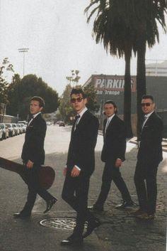 British indie rock band, the Arctic Monkeys. Arctic Monkeys Wallpaper, Monkey Wallpaper, Arctic Monkeys Lyrics, 505 Arctic Monkeys, Music Love, Music Is Life, Rock Bands, Matt Helders, Grunge Tattoo