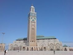 Beautiful Hassan II Mosque in Casablanca Morocco . Can't even describe how intense and amazing it is inside, or the sheer size of this building. Also, pretty much the ONLY redeeming thing in Casablanca. Places Around The World, Travel Around The World, Around The Worlds, Casablanca Morocco, Places Worth Visiting, Visit Morocco, Honeymoon Destinations, Honeymoon Ideas, Place Of Worship