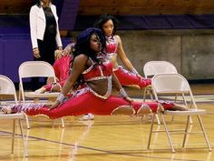 Bring It!: The Dolls Throw a Perfect Chair Stand (S2, E13) - I will learn to  do this stand