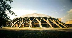 palazzeto dello sport - Pier Luigi Nervi : Ribbed concrete shell dome, supported on 36 Y-shaped buttresses.