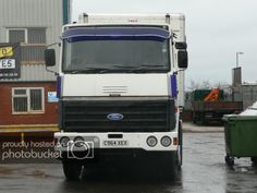 View topic - Do / did you own A ford Transcontinental? Old Lorries, Vintage Trucks, Commercial Vehicle, Classic Trucks, Big Trucks, Diving, Transportation, Engineering, British