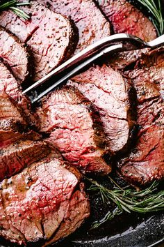 Roasted Beef Tenderloin - Easy, No-Fuss Recipe For The Juiciest Roasted Beef Tenderloin You'll Ever Make Full Of Amazing Flavor, A Garlic And Herb Crusted Beef Tenderloin With An Easy, No Marinating Required Technique. Best Beef Tenderloin Recipe, Beef Tenderloin Roast, Roast Beef, Chops Recipe, Corned Beef, Pork Chops, Roast Recipes, Cooking Recipes, Steak Recipes