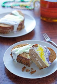 This Mardi Gras King Cake French Toast is one of the most unique overnight French toast casserole recipes. It is inspired by the traditional king cake recipes that are popular during Mardi Gras. Make Ahead Breakfast, Breakfast Recipes, Breakfast Casserole, Grapefruit Margarita Recipe, New Orleans King Cake, King Cake Recipe, Cakes Plus, French Toast Bake, Toasted Pecans