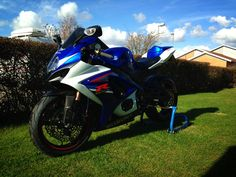 GSX-R 1000 K7 with #Laminx #tint on the #headlights - Thank you @Daniel Morgan Morgan Morgan Ström for sharing the pictures with us!