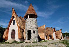 Clay Castle in Romania. Picture: valeazanelor.ro/Castelul de Lut Valea Zanelor