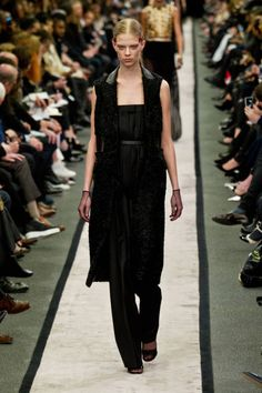 Givenchy Fall 2014 Ready-to-Wear Runway - Givenchy Ready-to-Wear Collection