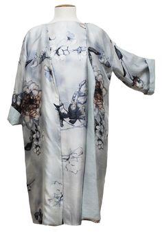 Abrigo y vestido de seda Julunggul www.julunggul.com