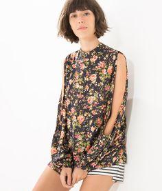 blusa gola floral folk