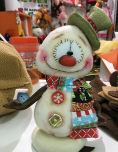Sujey Deza's media statistics and analytics Christmas Gnome, Christmas Sewing, Primitive Christmas, Christmas Art, Christmas Projects, Christmas Holidays, Snowman Crafts, Felt Crafts, Christmas Crafts