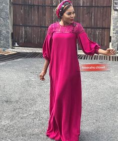 Long African Dresses, Latest African Fashion Dresses, African Print Dresses, Abaya Fashion, Fashion Outfits, Kente Dress, African Blouses, Mode Abaya, Flowing Dresses
