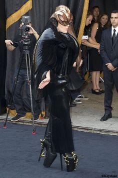 Les 10 robes de #stars mémorables de 2012: #Lady #Gaga