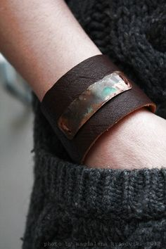 Rusitc Leather Copper Bracelet... I actually like this. The cool variations in the color on the copper strip is awesome!