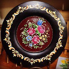 Fabric Painting, Painting On Wood, Rosemaling Pattern, Norwegian Rosemaling, Folk Art Flowers, Tole Painting Patterns, Russian Folk Art, Tin Art, Decoupage Box