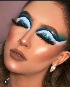 Glamorous Makeup, Stunning Makeup, Glam Makeup, Love Makeup, Makeup Inspo, Cat Eye Makeup, Eyeshadow Makeup, Indie Makeup, Eye Makeup Designs