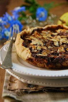 Tarte poire, chocolat et amandes // Chocolate and pear tart