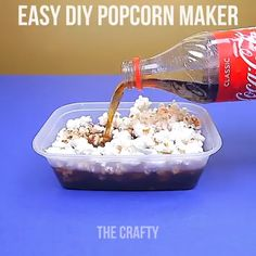 Amazing Food Hacks Easy Ways to make food with these hacks. Related posts: Amazing Cloths DIY Hacks Amazing Cooking Hacks 6 Clever Fashion Hacks Life Changing Fashion Hacks All Women Should Know Diy Crafts Hacks, Food Crafts, Diy Food, Art Hacks, Kids Crafts, Easy Crafts, How To Make Popcorn, Food To Make, Amazing Food Hacks