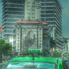 snaps of Saigon en route to our hotel