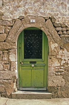Green Door, Exoudun, France: photo by Stephen Nunney