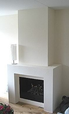 If you are looking to give your room a focal point or something to highlight it, look no further than the fireplace mantel that's already there. Many tend to leave their fireplace mantels bar… Living Room Decor Fireplace, Stone Fireplace Mantel, Family Room Fireplace, Fireplace Built Ins, Fireplace Remodel, Modern Fireplace, Fireplace Mantle, Fireplace Design, Home Living Room