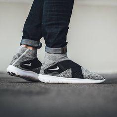 buy popular 95131 86372 Nike Free Run Motion Flyknit 2017  Black Pure Platinum  - EU Kicks  Sneaker  Magazine