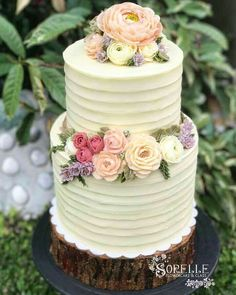 @Regrann from @sorellefloralcakes - Sorelle strikes again with buttercream weddingcake! This single project (along with 100 floral cupcakes) took away all my stress from consecutive outoftown classes, losing my nanny, and being away from my kids again. A collaboration with @budsandbloomsbyruth. Thank God for this opportunity to work with a fellow buttercream aficionado. #buttercream #weddingcake #flowercake #cake #cakedeco #instacake #igers #cakestagram #cakeoftheday #wedding #cakesph…