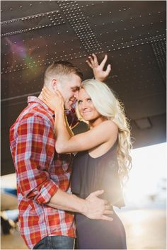 Airplane engagement photos - so much fun! Click to view more from this airport engagement session in Knoxville TN.