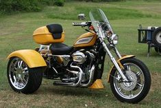 Learn more about this used yellow pearl 2005 Harley-Davidson® Custom Trike motorcycle for sale on ChopperExchange. It has miles and it's located in Fate, Texas. New York Mills, Trike Kits, Harley Dealer, Harley Davidson Merchandise, Harley Davidson Trike, Custom Trikes, Yellow Pearl, Trike Motorcycle, Yellow Painting