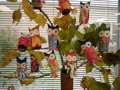 WHAT'S HAPPENING IN THE ART ROOM??: 1st Grade Owl Sculptures