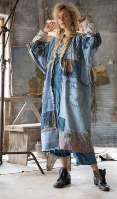 30 ideas patchwork jeans outfit inspiration for 2019 Denim Fashion, Boho Fashion, Ropa Shabby Chic, Magnolia Pearl, Denim Ideas, Denim Crafts, Altered Couture, Denim Patchwork, Recycled Denim