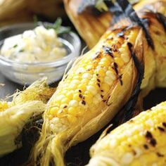 Grilled corn three ways.How to best grill sweet corn on the cob. Perfect summer BBQ food! #Grillingtips