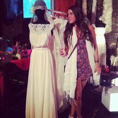 ♥♥ The Wedding Fashion Night ♥♥ ♥ Visita www.wfnclub.com ♥ #wfn #exoticglam #bodas #weddings - Vestidos vintage #larcadelavia - @Katie Schmeltzer Barcelona Brunettes