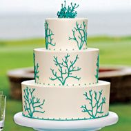 beach weddings - summer weddings - cake