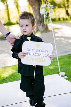"Cute Paige Boy carrying ""here comes your bride"" sign ♥ Plan My Wedding, Wedding Looks, Wedding Blog, Wedding Stuff, Wedding Planning, Dream Wedding, Wedding Ideas, Ceremony Signs, Wedding Ceremony"