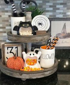 halloween house Classy country Halloween Decor from G G Luvs Dunn Rae Dunn and Witches Tiered Tray Halloween Veranda, Country Halloween, Fröhliches Halloween, Holidays Halloween, Halloween Treats, Cute Halloween Decorations, Halloween Decorations Apartment, Farmhouse Halloween, Halloween Displays